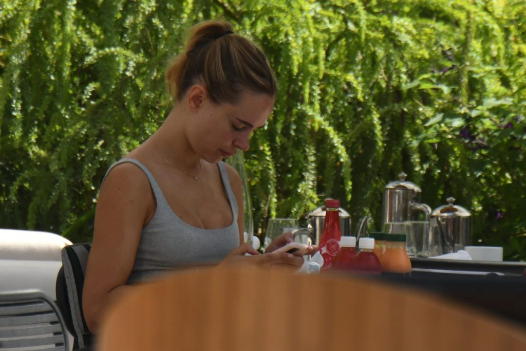 Sexy Kimberley Garner Is Pictured Enjoying Breakfast in Cannes (49 Photos)