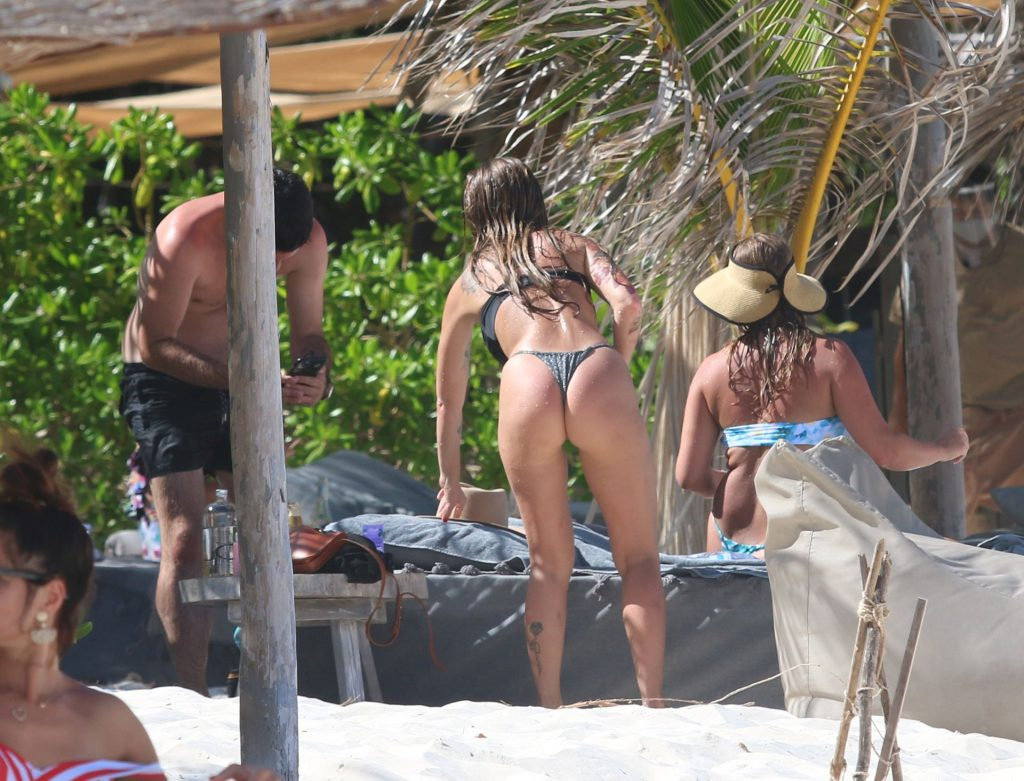 Sexy Liza Lash is Seen on Her Vacation in Tulum (100 Photos)