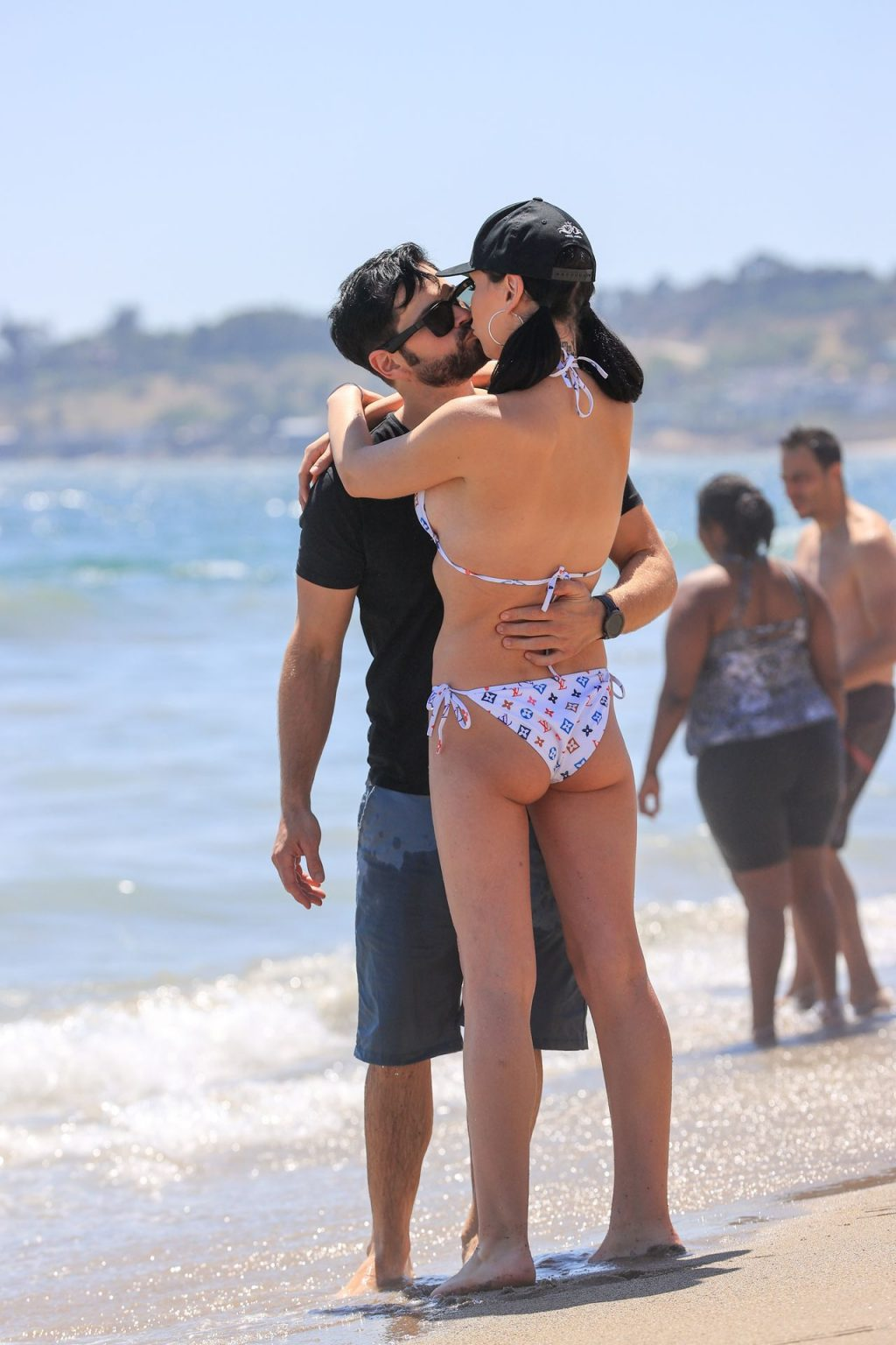 Plastic Martyr Frolics on the Beach with a Boyfriend Amid Lea Michele Drama (25 Photos)