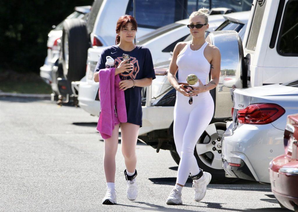 Tammy Hembrow & Starlette Thynne Head to the Gym (11 Photos)