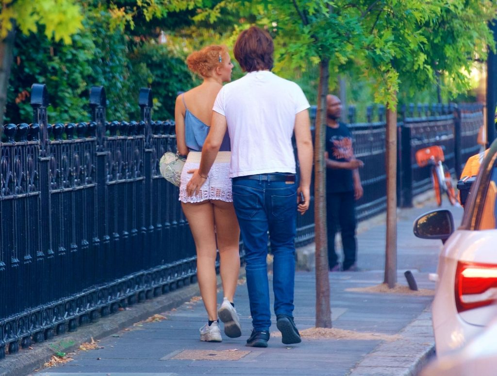 Anna Ermakova Shows Her Cheeky Side and Goes Braless in Chelsea (110 Photos)