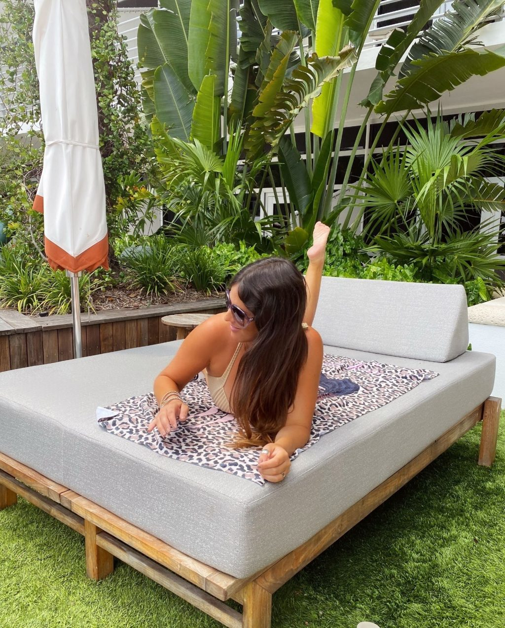 Claudia Romani Poses at The Ritz Carlton Hotel in Miami Beach (12 Photos)