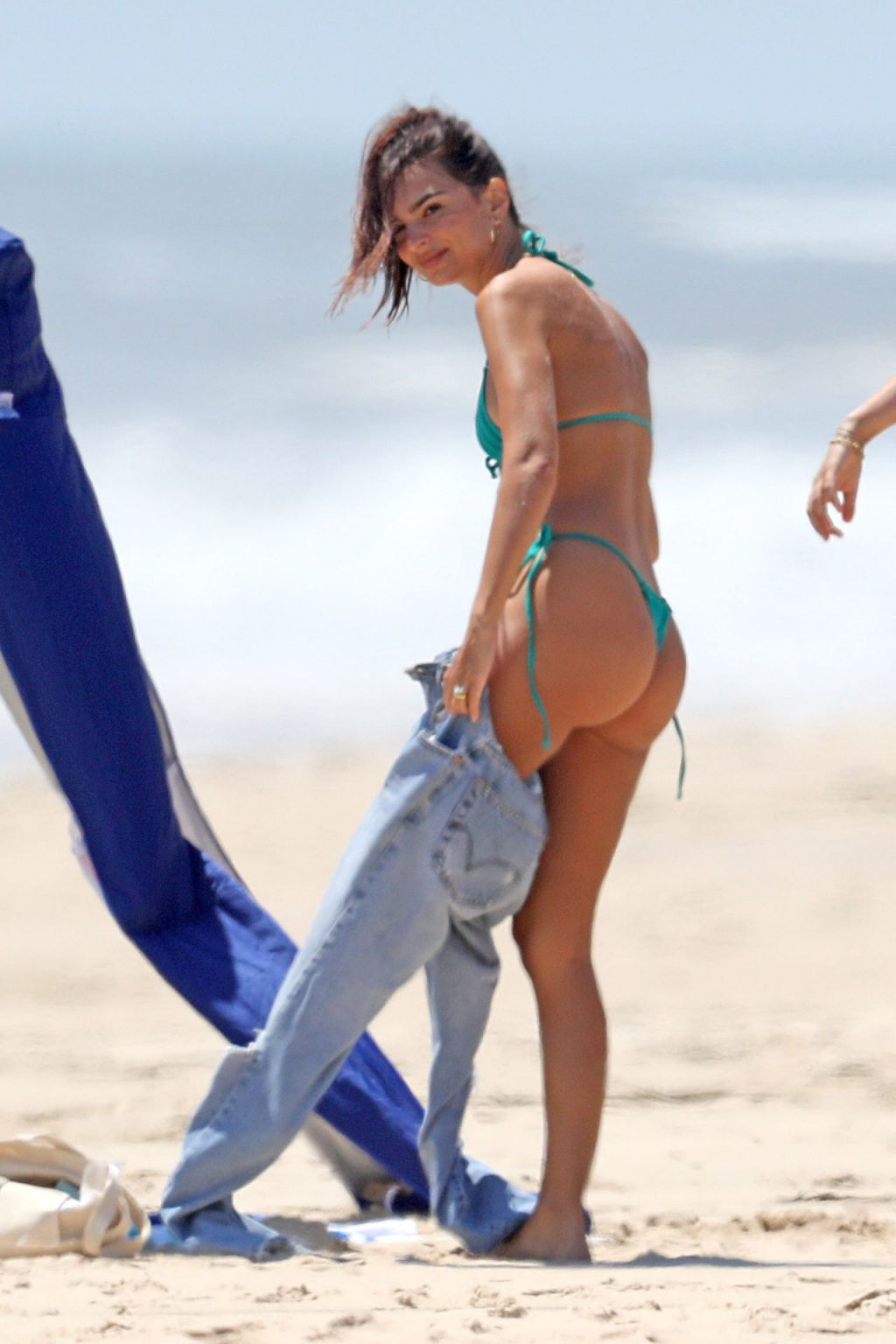Emily Ratajkowski Rides Her Bike to the Beach in The Hamptons (38 Photos)