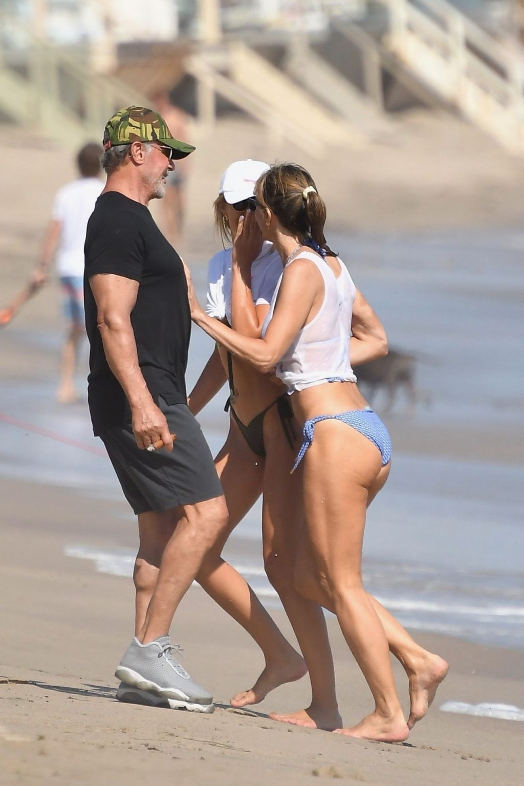 Jennifer Flavin, Sophia, Sistine & Scarlett Stallone Enjoy a Day on the Beach (113 Photos)
