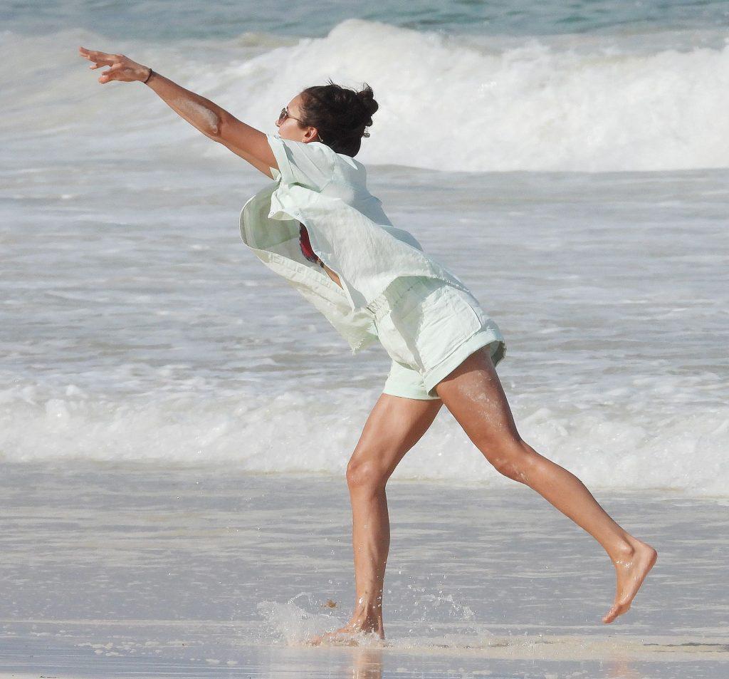 Sexy Nina Dobrev & Shaun White Enjoy a Day on the Beach in Tulum (99 New Photos)