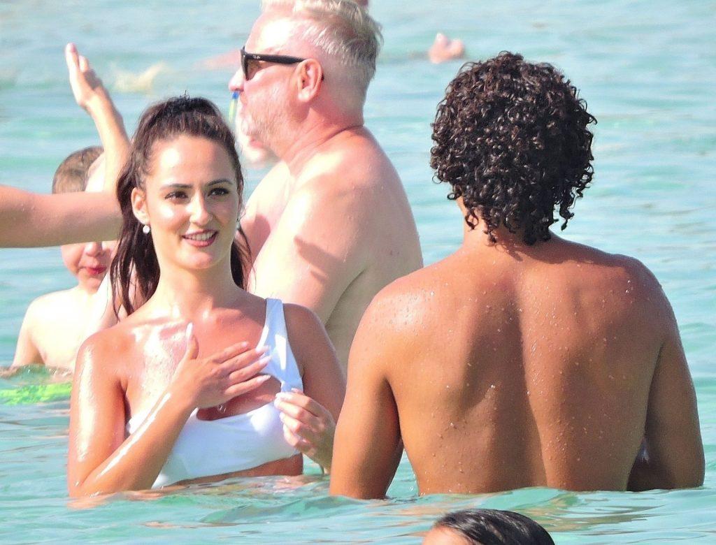 Tascha Jasmín & Tracy Candela Enjoy a Day in Mallorca (36 Photos)