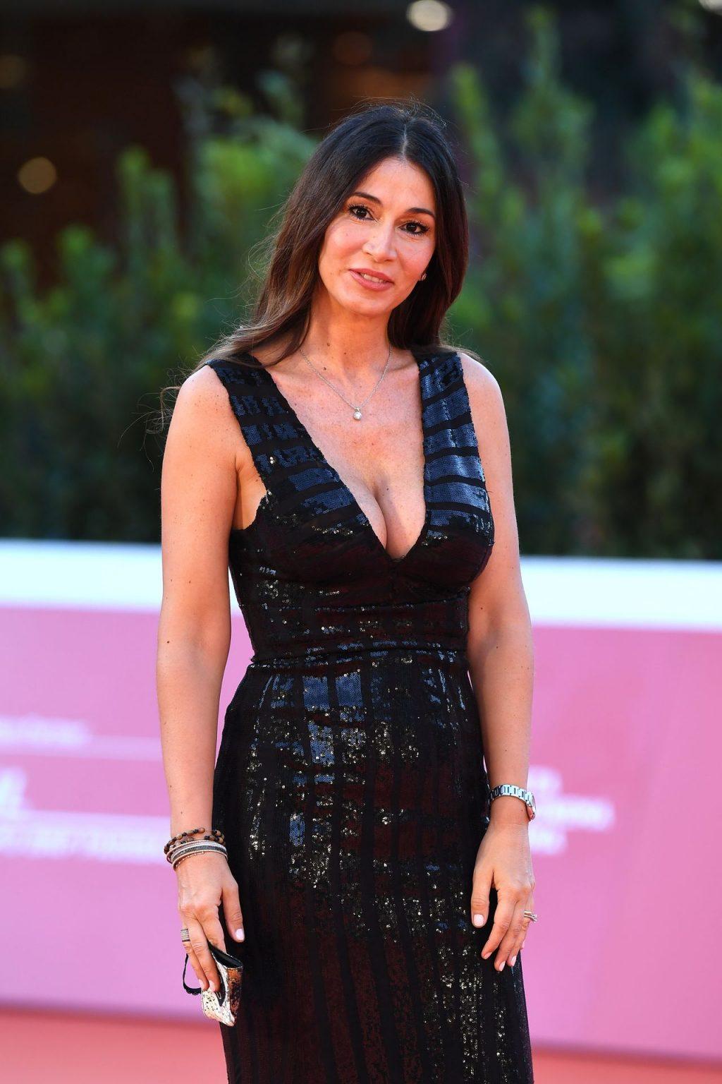 Elisabetta Bardelli Ricci Shows Off Her Boobs in Rome (27 Photos)