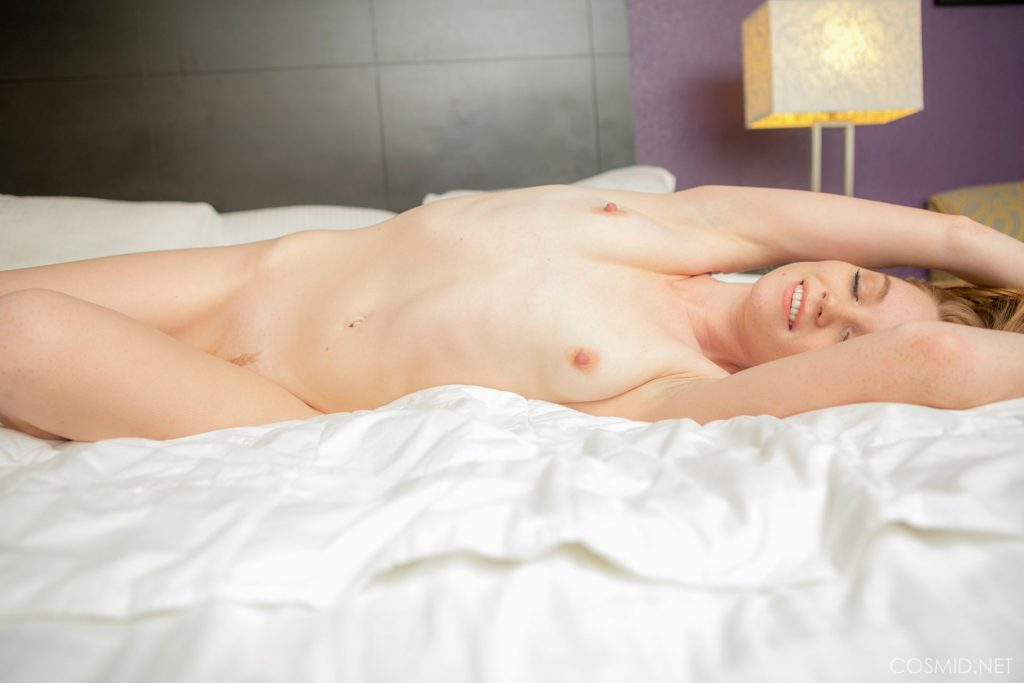 Nicole Hurt Poses on the Bed (20 Nude Photos)