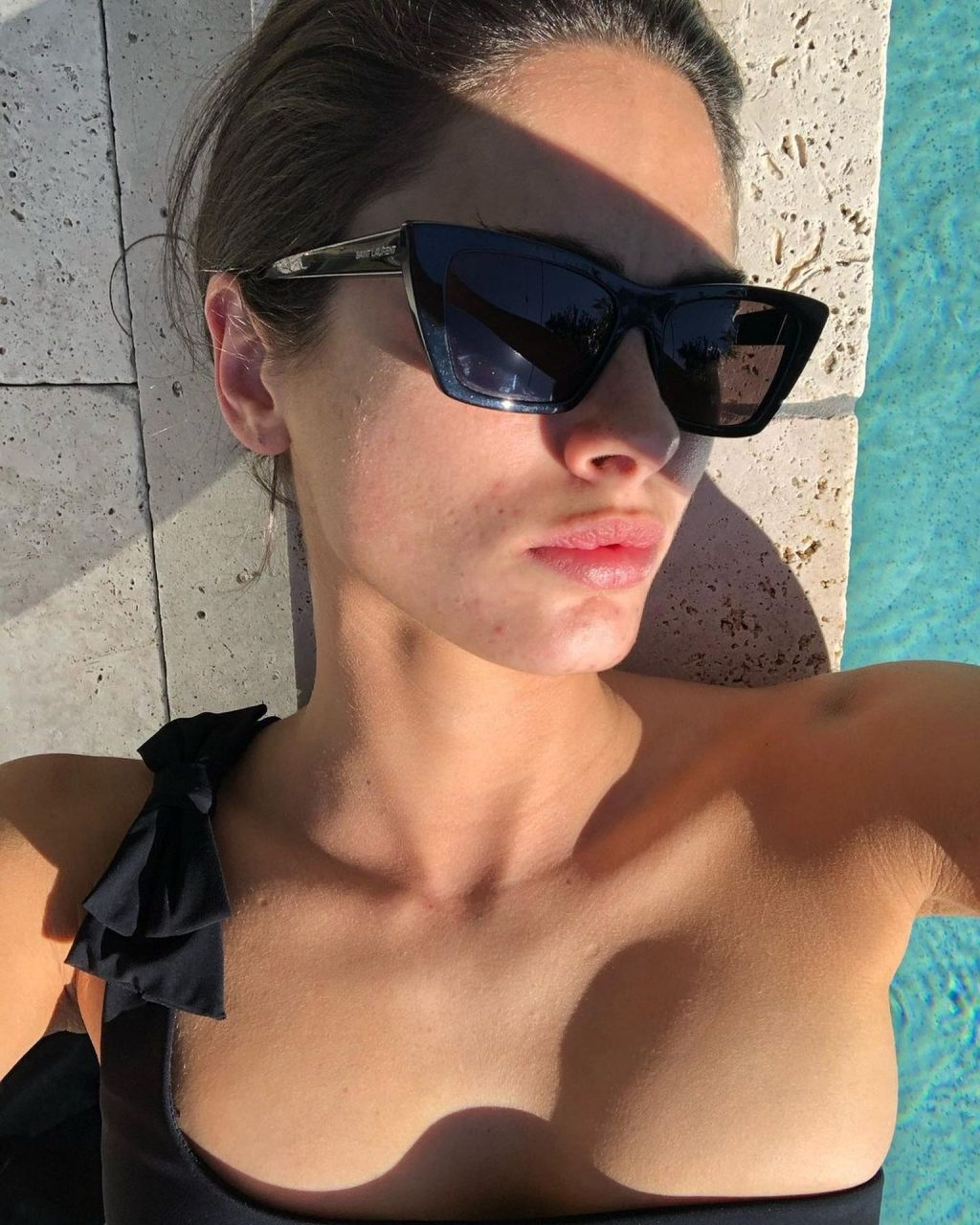 Charlie Robertson Sexy & Topless (14 Photos)