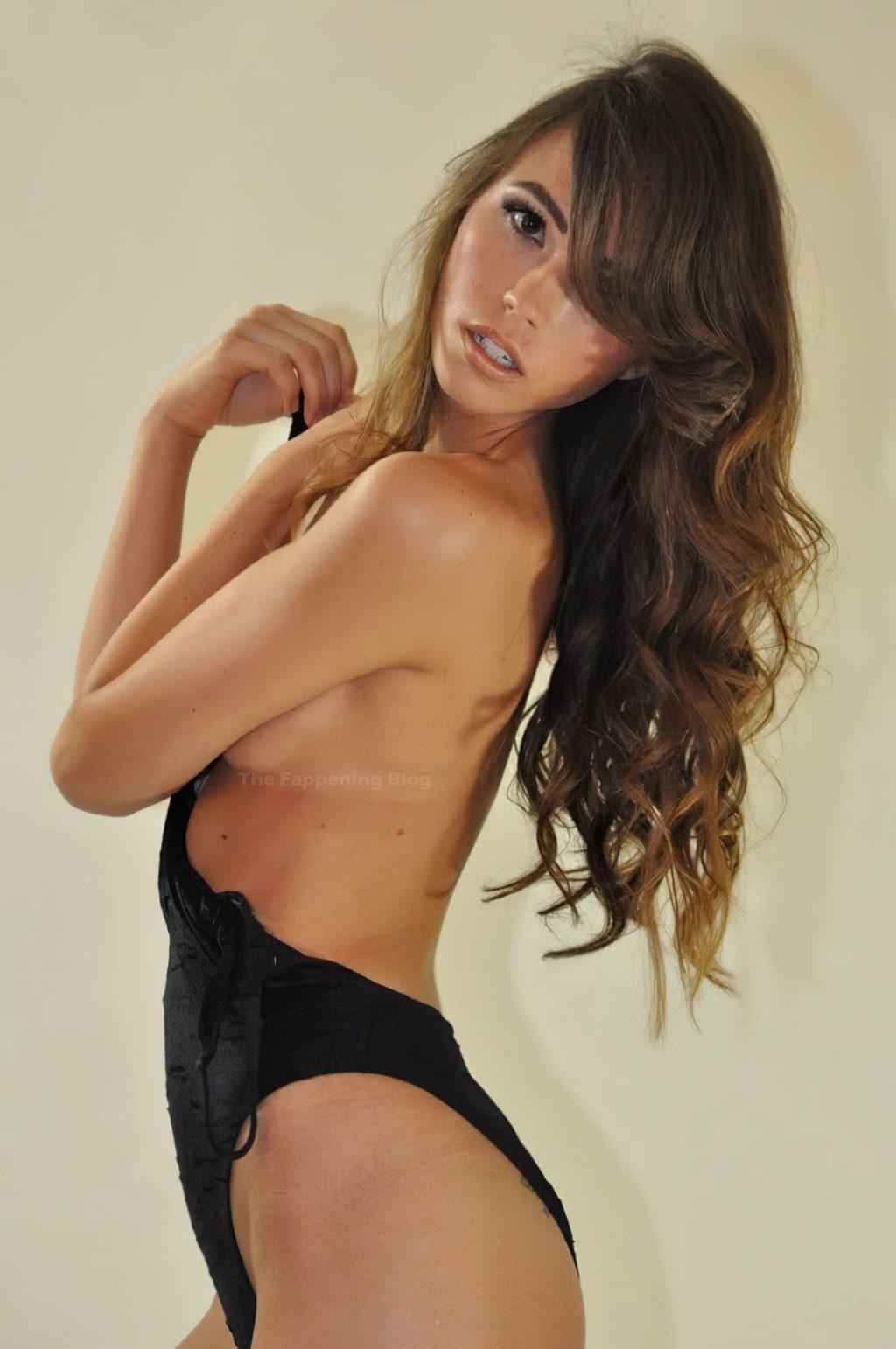 Madison Murray Sexy & Topless (14 Photos)