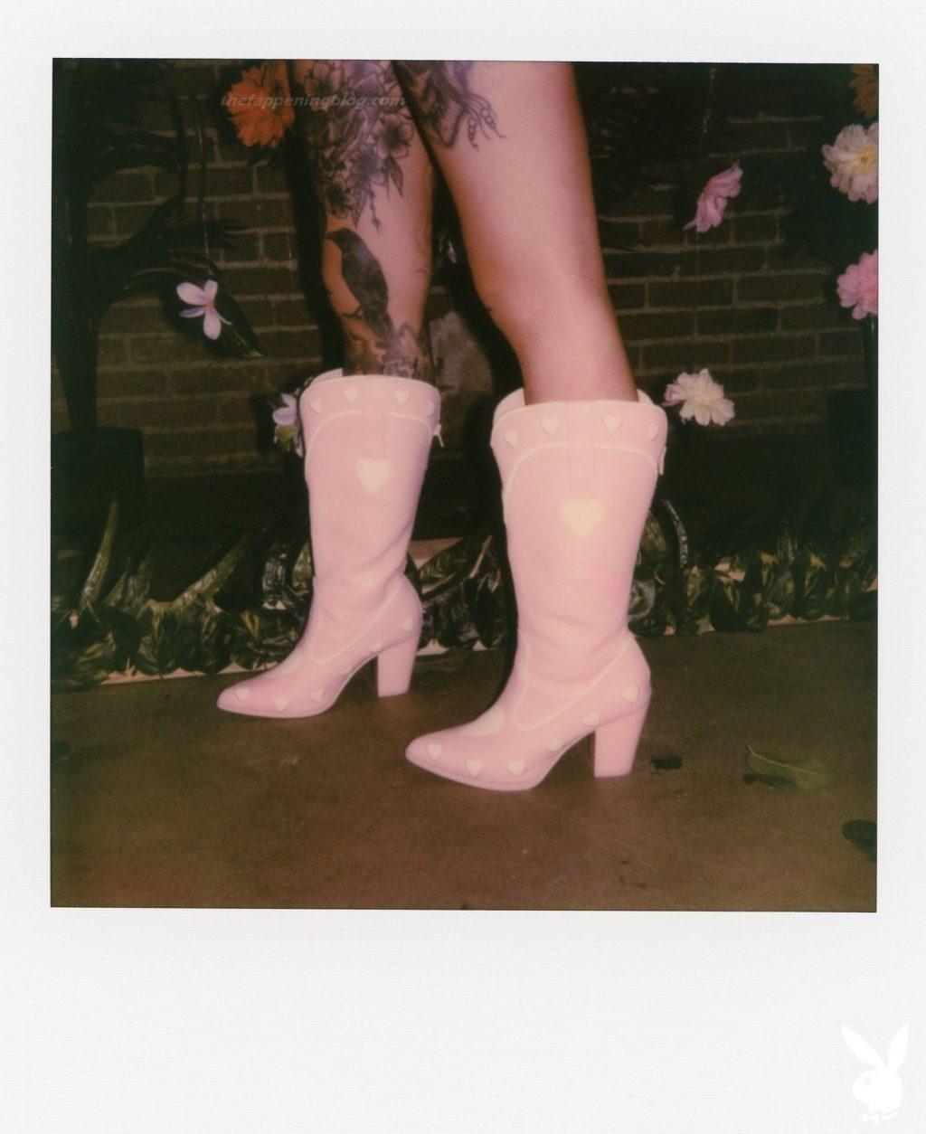 Taylor White Nude – Wild Wallflower (30 Photos + Video)