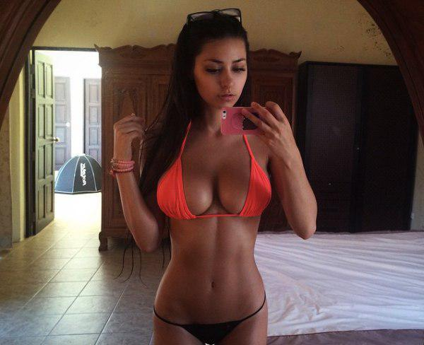 Helga Lovekaty Sexy selfies