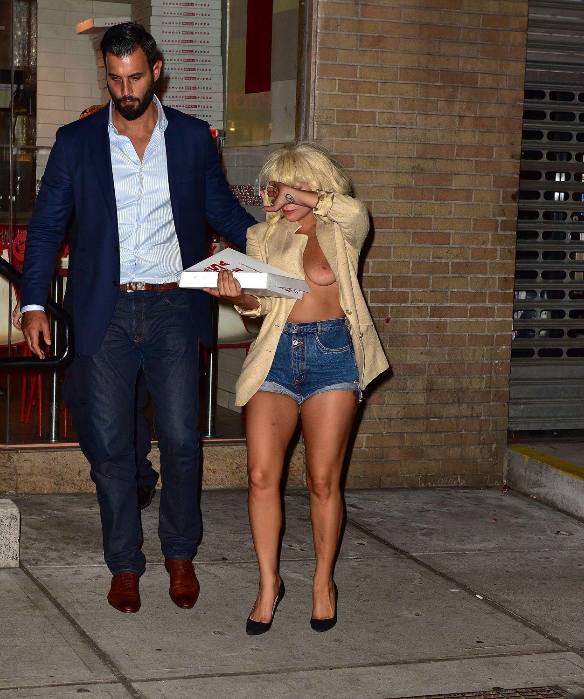 Lady Gaga leaked braless pics