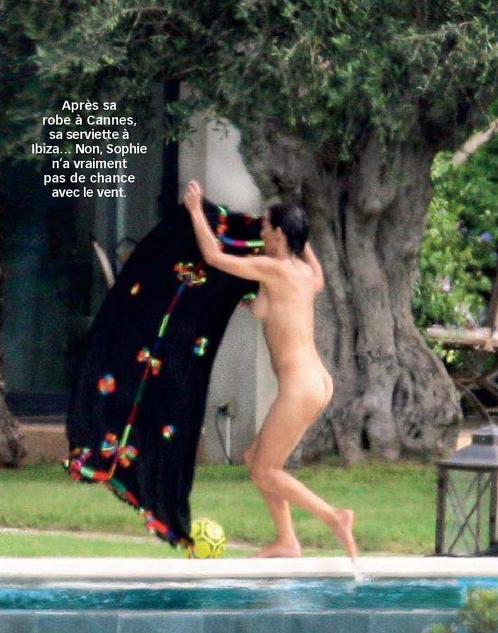 Sophie Marceau topless pics