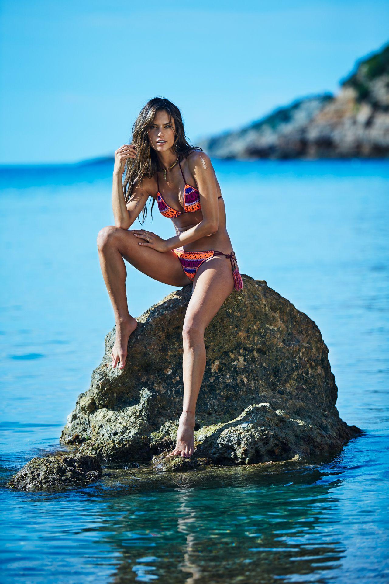 Alessandra Ambrosio Bikini Photos