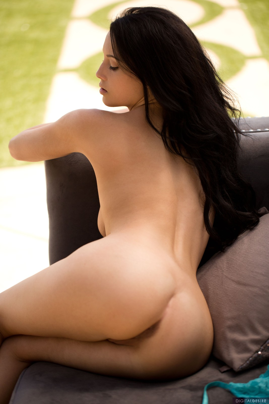 Noelle Easton nude photoshoot