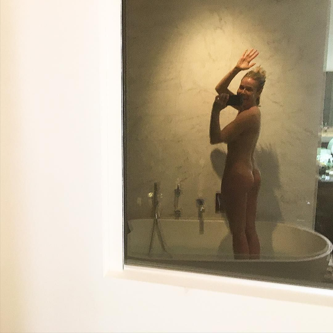 Nude photo of Chelsea Handler