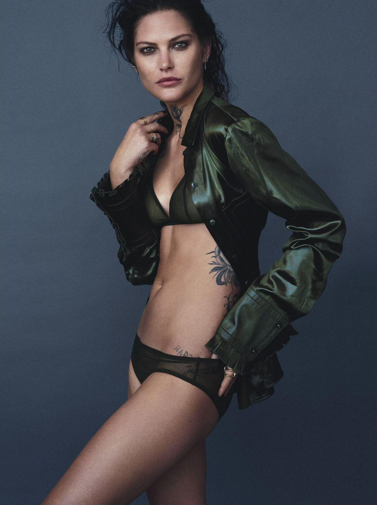 Catherine McNeil Sexy Photos