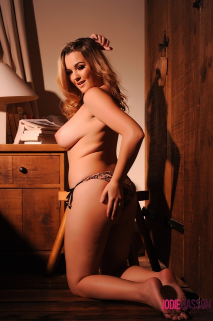 Topless Photos of Jodie Gasson