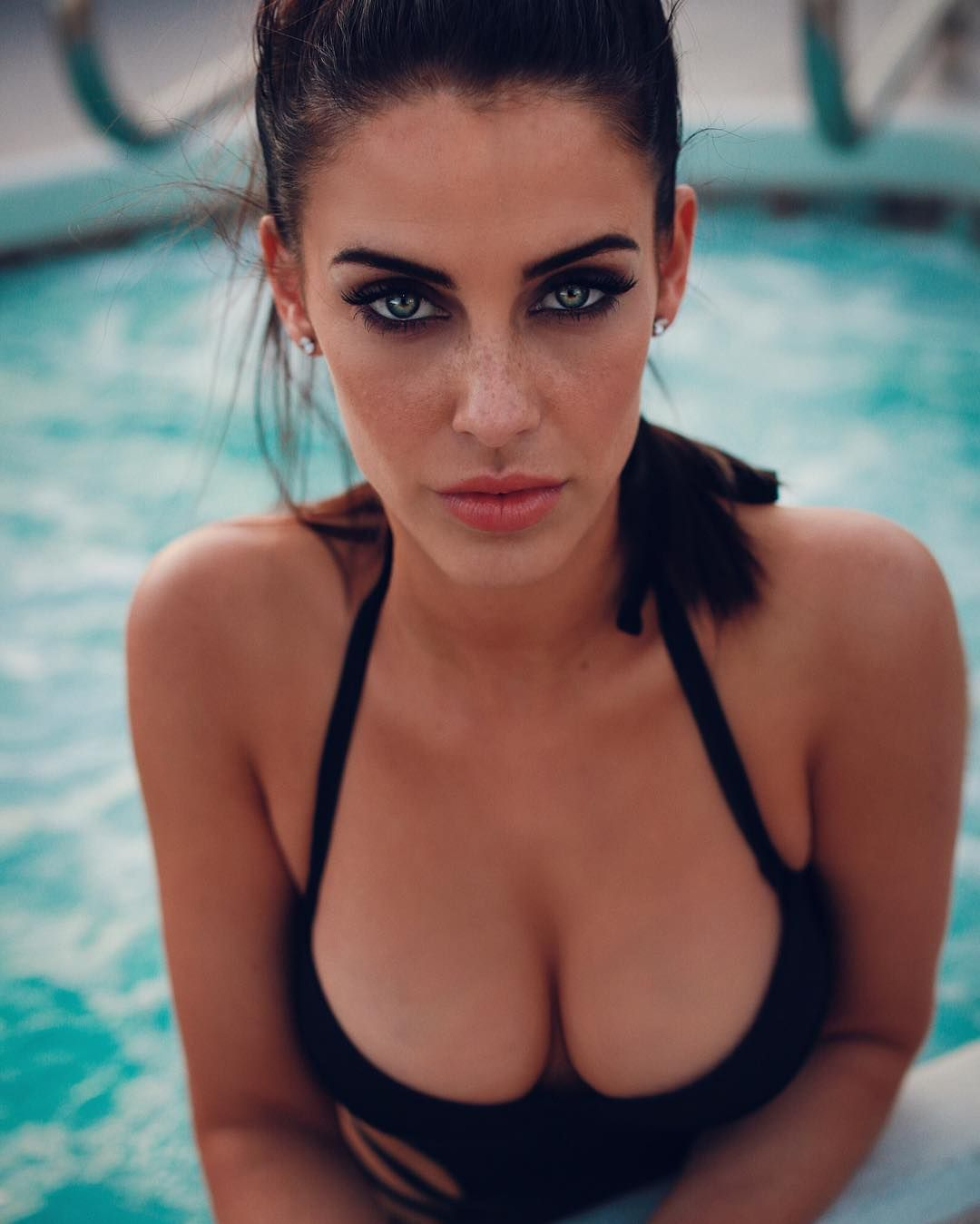 Sexy Photo of Jessica Lowndes