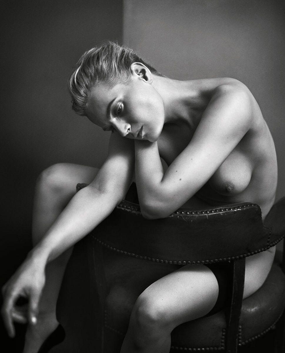 Nude Photos of Guinevere Van Seenus
