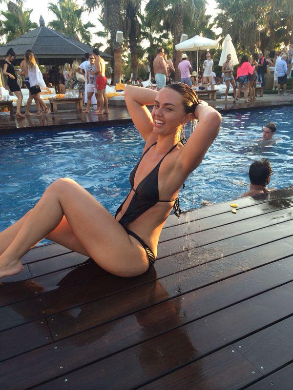 Jennifer Metcalfe Looking Sexier Than Ever