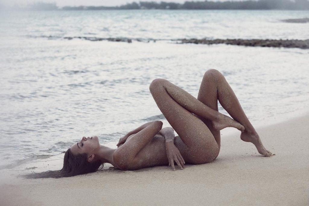 Josephine Skriver & Ming Xi Nude