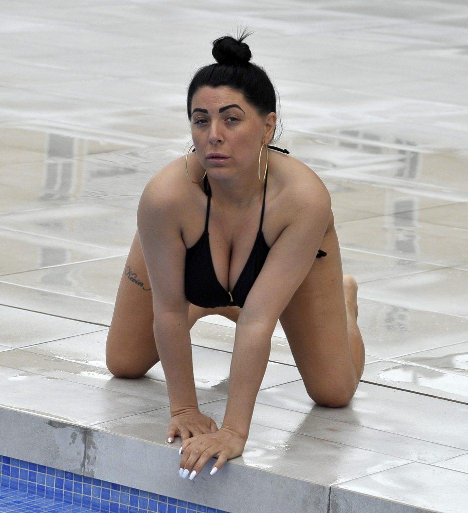 Simone Reed Sexy