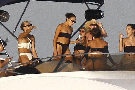 Devon Windsor & Olivia Culpo Bikini