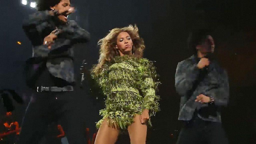 Beyoncé Upskirt
