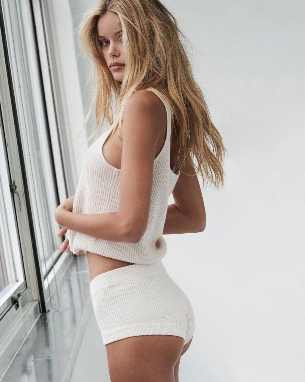 Frida Aasen Topless