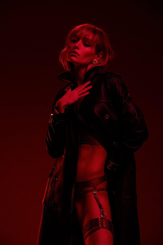 Justine Nicolas Topless