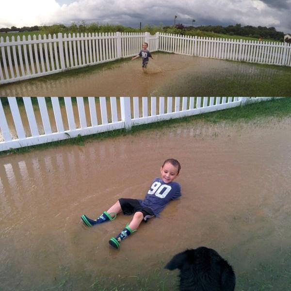 Kid playing in water via thefarmerslife.com