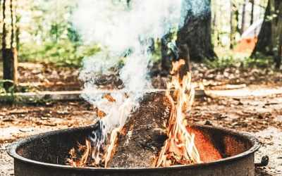 Backyard campfire essentials – Friday Favorites  (Everything you need for the up-coming campfire season!)