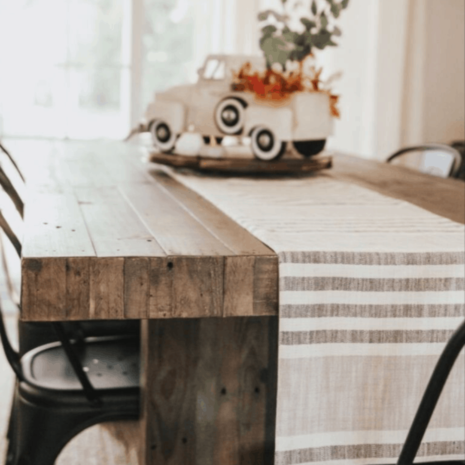 Cloth and cabin – home decor and the trendiest clothes all in the same place!