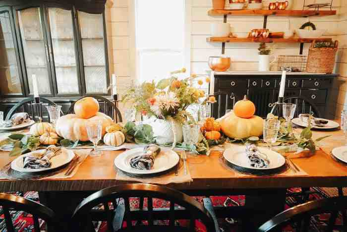 thanksgiving table with pumpkins