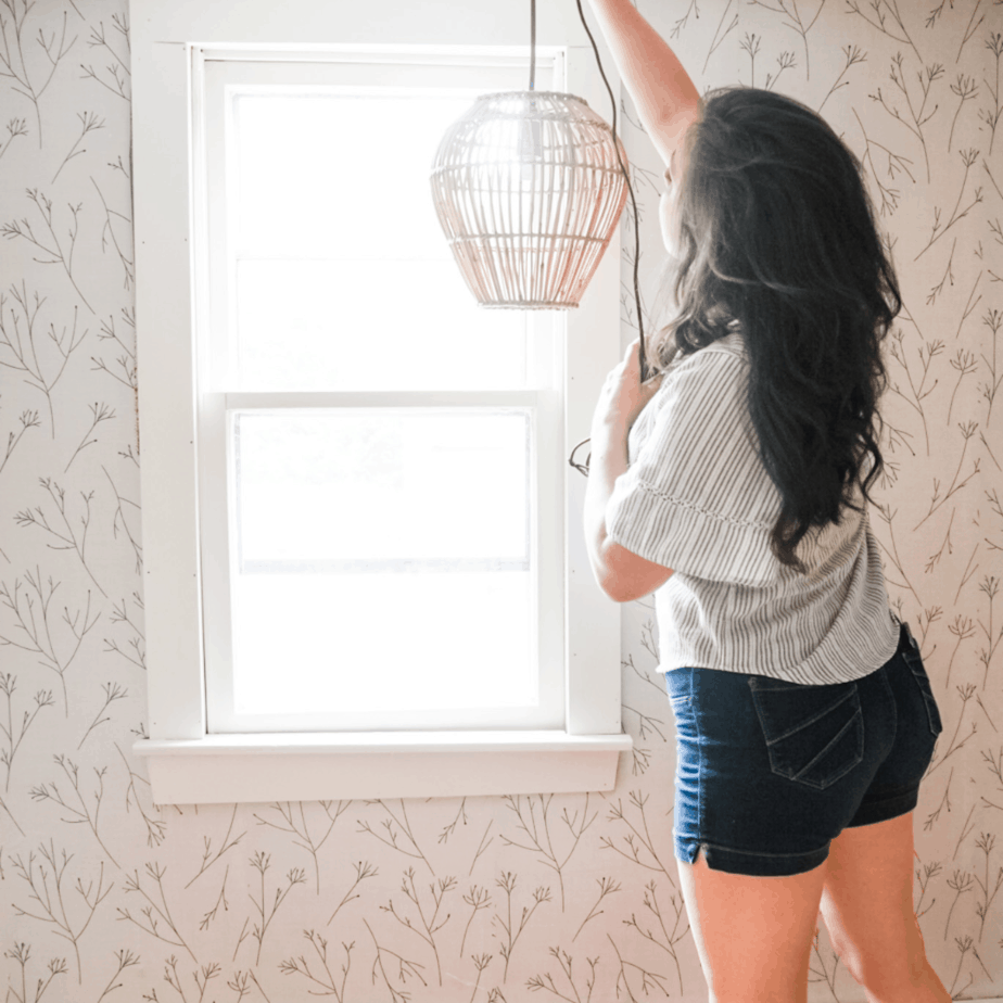 One Room Challenge Week 4: 3 helpful tips on how to apply peel and stick wallpaper