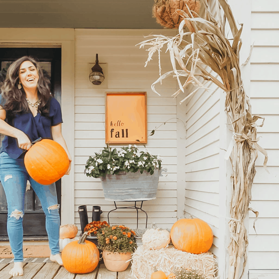 How to make an easy DIY fall sign for your front porch
