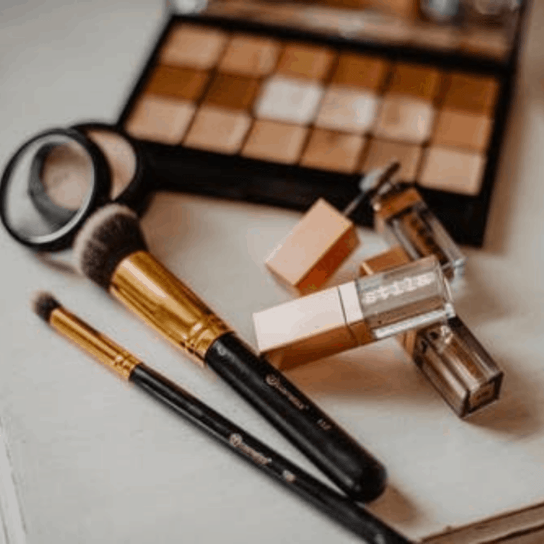 Daily Make-up and Hair Routine + Tips And Tricks for At-home Gel Nails