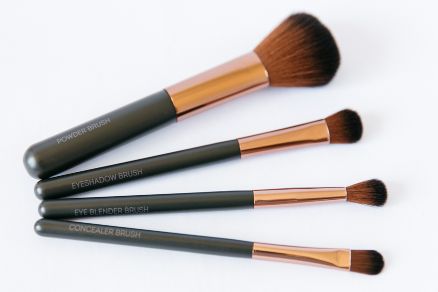 Nude By Nature makeup brushes review.