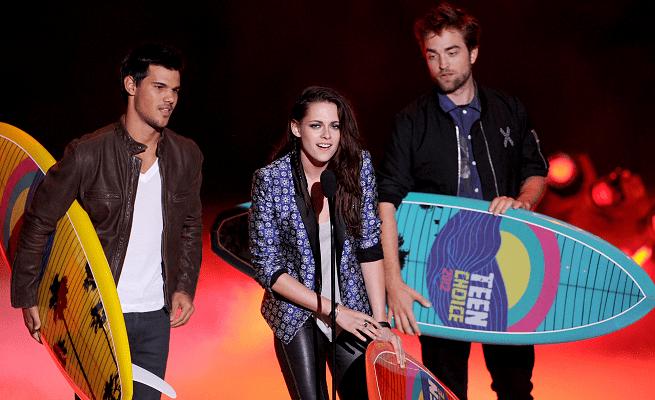 Robert Pattinson em Marc Jacobs & Komakino | 2012 Teen Choice Awards