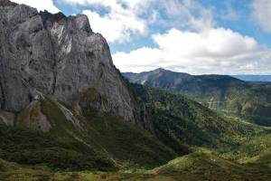 The picturesque scenery of the Abujee hiking route