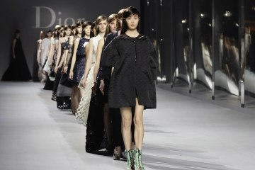 A models walk the runway during the Dior Haute Couture Spring Summer 2014 fashion show on April 9, 2014 in Hong Kong(Getty Images)