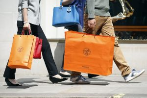 LVMH and Hermès End Battle Over Shares