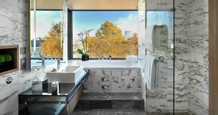 The Studio's suite's bathroom