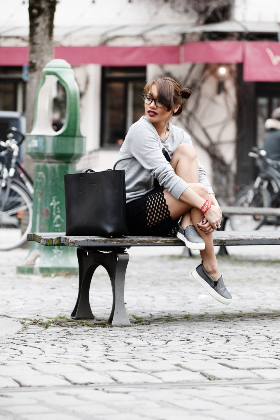 DIANABUENGER-MODEBLOG-FASHIONBLOG-STYLEBLOG-QUANTUMCOURAGE-SPONSORED-ZARA-OUTFITPOST-LOOK-SKIRT-CUTOUT-STREETSTYLE-BLOGGER-MUNICH-MUENCHEN-FASHIONBLOGGER-6