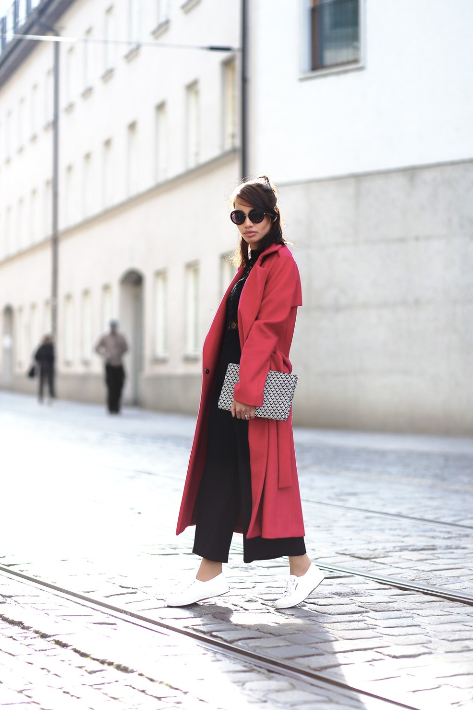 PINK-MANTEL-COAT-LACE-OVERALL-CULOTTES-SUPERGA-ZARA-THEFASHIONANARCHY-LOOK-STYLE-OUTFIT-SNEAKER-BLACK-SPITZE-FASHIONBLOG-MODEBLOG-STYLEBLOG-MUNICH-DIANABUENGER-6