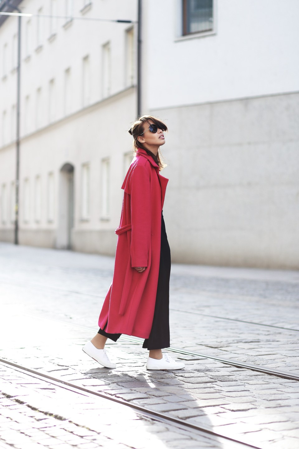 PINK-MANTEL-COAT-LACE-OVERALL-CULOTTES-SUPERGA-ZARA-THEFASHIONANARCHY-LOOK-STYLE-OUTFIT-SNEAKER-BLACK-SPITZE-FASHIONBLOG-MODEBLOG-STYLEBLOG-MUNICH-DIANABUENGER-7