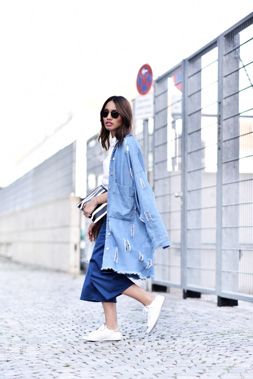 thefashionanarchy_modeblog_fashionblog_styleblog_blogger_culotte_denim_jeans_crop_top_bluse_weiss_outfit_look_gola_sneaker_3