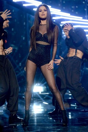 7-years-of-selena-gomezs-best-concert-outfits-1758676-1462411932.640x0c